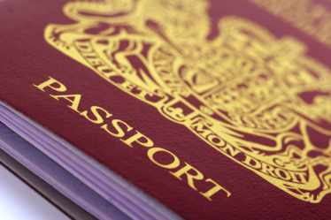 L'embauche d'un étranger : le principe de l'autorisation de travail