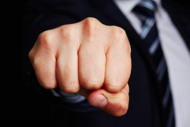 Violence en entreprise : la complicité est-elle une faute grave ?