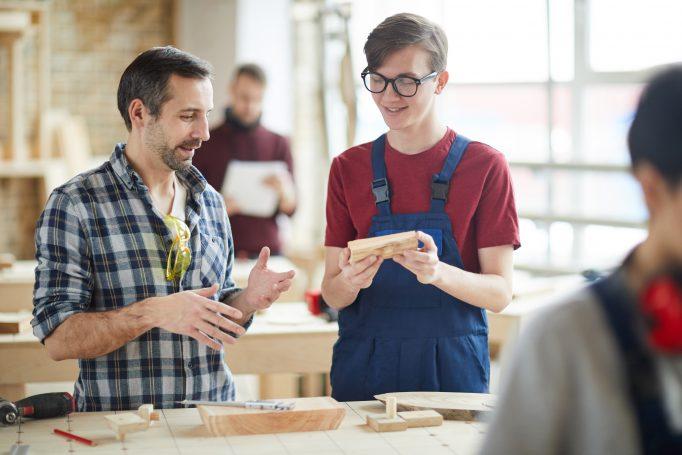 Alternance : l'aide à l'embauche des jeunes est entrée en vigueur