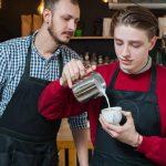 Plan jeunes : jusqu'à 4 000 euros versés pour l'embauche d'un salarié de moins de 26 ans