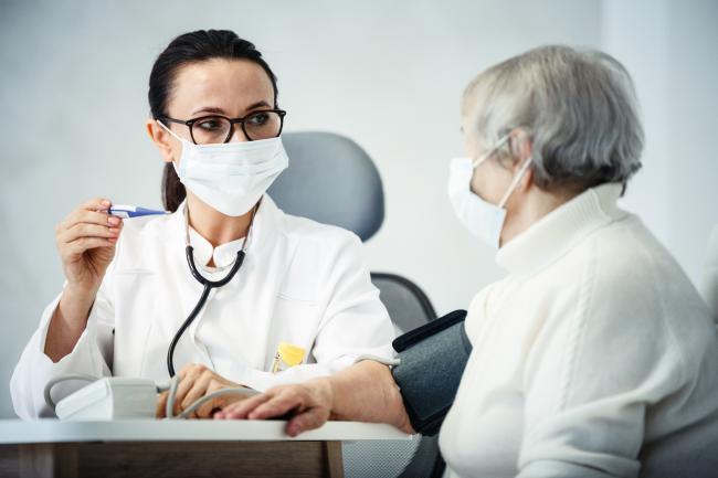 Personnes vulnérables : de nouveaux critères et le médecin du travail en arbitre