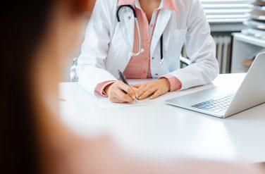Covid-19 : modalités de la prescription d'arrêts de travail par le médecin du travail