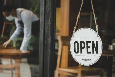 Commerces, restaurants, établissements sportifs : ce qui change à partir du 9 juin