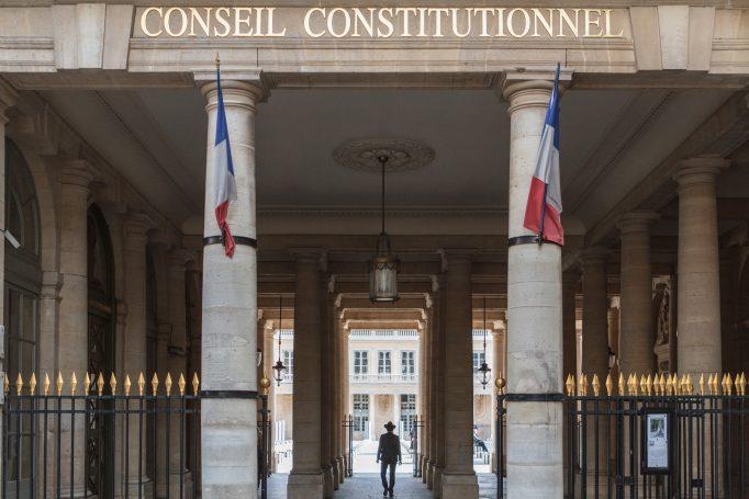 Covid-19: passe sanitaire validé, isolement obligatoire et rupture anticipée des CDD censurés