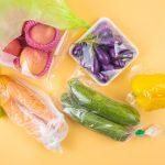 Pollution: la fin des emballages plastiques autour des légumes et fruits frais dès 2022